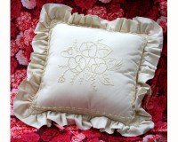 floral_candlewick_cushion_kit.jpg